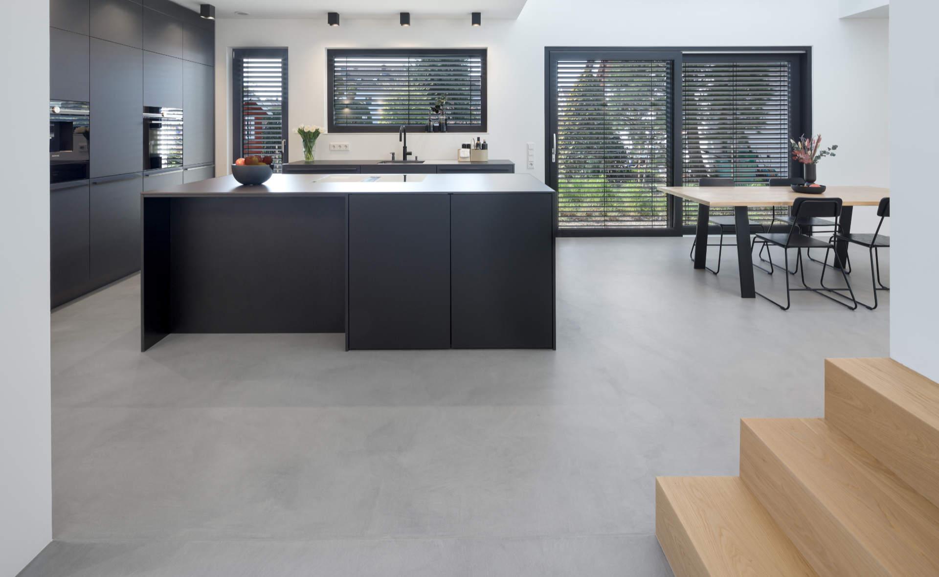 zeitgenössischer Designfussboden betonoptik